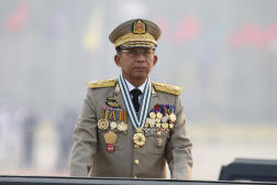 Le général Min Aung Hlaing, devenu depuis premier ministre du gouvernement intérimaire, à Naypyidaw, en Birmanie, le 27 mars 2021.