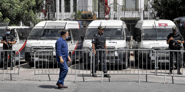 En Tunisie, plusieurs députés arrêtés après la levée de leur immunité parlementaire