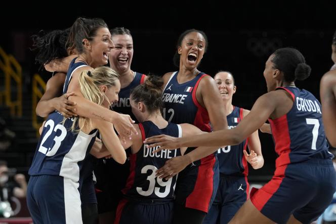 La joie des basketteuses françaises après leur qualification pour les demi-finales olympiques, le 4 août2021.