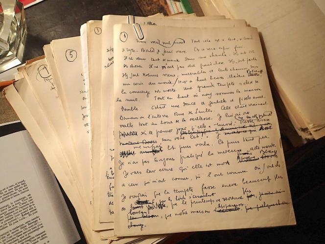 Parmi les feuillets authentifiés, on trouve un millier de feuillets manuscrits de « Mort à crédit ».