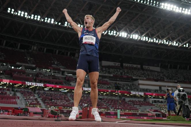 Après les larmes et la douleur, Kevin Mayer est médaillé d'argent du décathlon.