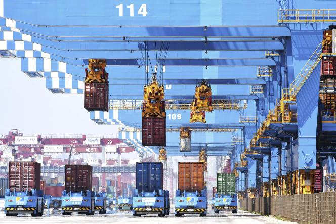 Dans le port de Qingdao, en Chine, le 4 juin 2021.
