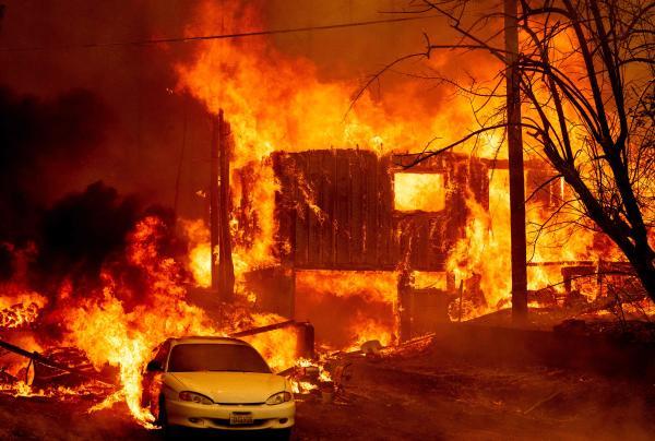 Una casa devastada por las llamas en Greenville, California, el jueves 5 de agosto de 2021.