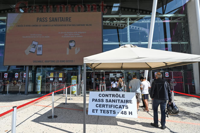 Devant un cinéma Gaumont, à Montpellier, le 29 juillet 2021.