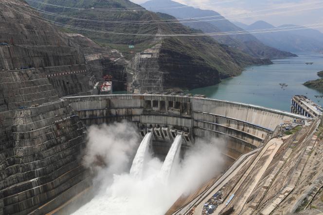Le barrage et usine d'hydroélectricité à Zhaotong (Chine), le 26 juin 2021.