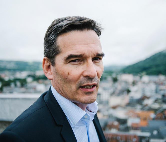 Le maire de Lourdes, Thierry Lavit, dans sa ville, le 6 août 2021.