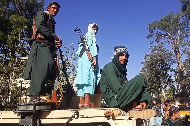 Herat Taliban, 13 de agosto. Rebeldes islâmicos capturam a terceira maior cidade do Afeganistão no dia anterior