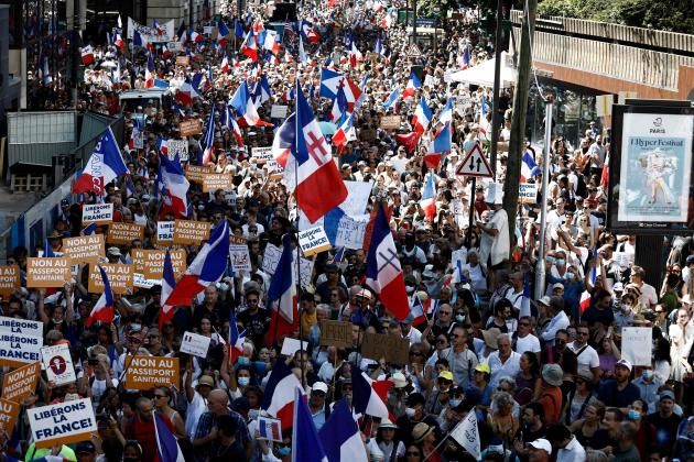 Rassemblement contre le passe sanitaire à Paris, le 14 août 2021.