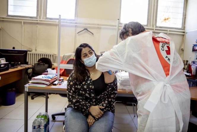 E lunedì sera, secondo il ministero della Salute, sono stati vaccinati per la prima volta 47,6 milioni (70,6% della popolazione totale).