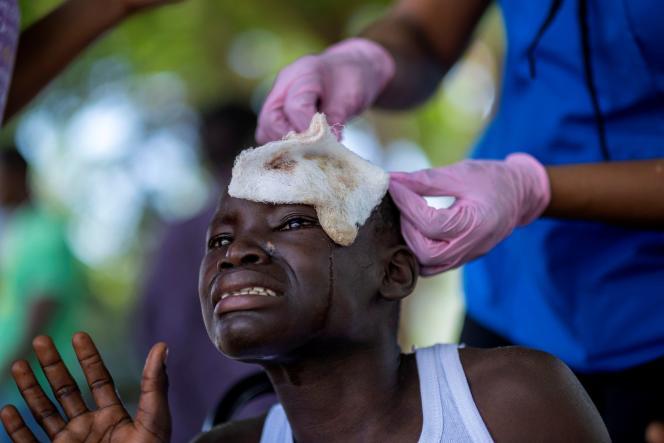Un jeune enfant à l'hôpital de Les Cayes, en Haïti, le 18 août.