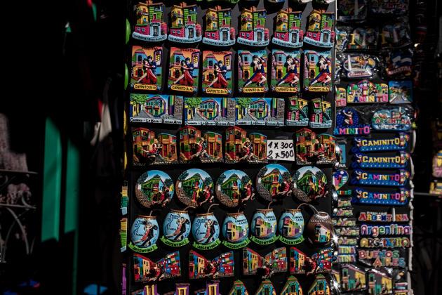 Dans un magasin de souvenirs à La Boca, à Buenos Aires en Argentine le 12 août 2021.