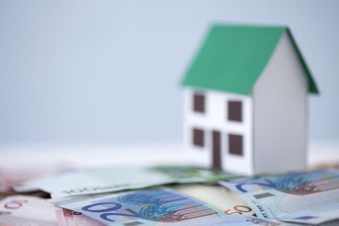 Meilleurtaux évalue la taxe foncière dans les vingt plus grandes villes françaises à 101 euros par mois en moyenne pour un logement de 70 m2.