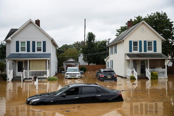 On August 22, 2021, Hurricane Henry, like this residential area in Helmet (New Jersey), flooded the northeastern United States.