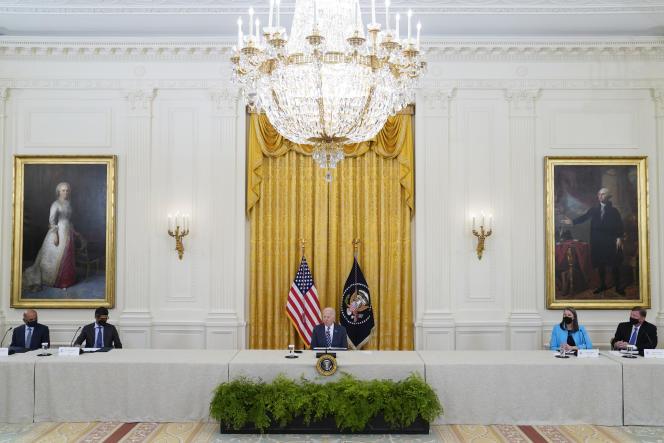De Amerikaanse president Joe Biden spreekt op een cyberbeveiligingsbijeenkomst in de East Room van het Witte Huis in Washington, woensdag 25 augustus 2021.