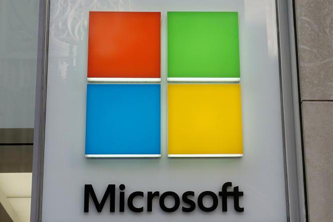 Le logo de Microsoft sur la façade de bureaux de l'entreprise à New York, en janvier 2021.