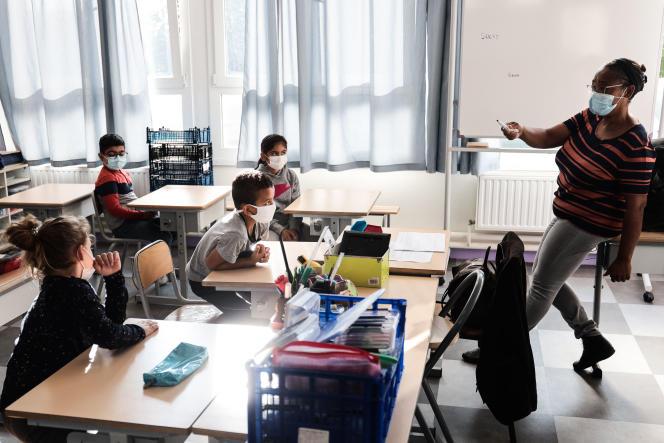 « Vacances apprenantes » à l'école du Docteur-Roux, à Reims (Marne), le 24 août 2021.