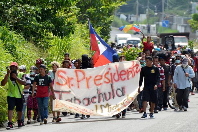 Algunos de los migrantes interceptados habían tomado la carretera el sábado 28 de agosto de 2021 desde Tapachula, Chiapas.