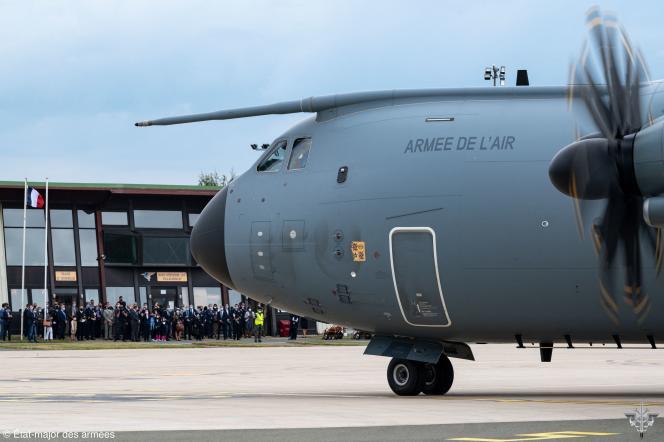 Un avion Airbus A400M dans un aéroport parisien, le 29 août 2021. Il s'agissait du dernier vol français d'évacuation de personnes d'Afghanistan.