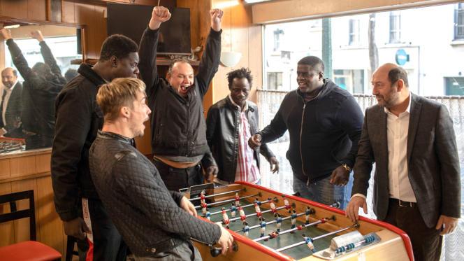 «Un triomphe » d'Emmanuel Courcol, avec Pierre Lottin, David Ayala,Wabinlé Nabié, Lamine Cissokho, Kad Merad.
