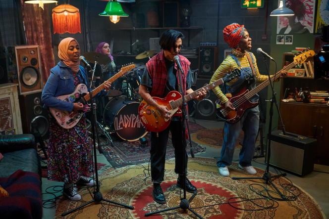 Leurs chansons mélangent références à Allah et névroses générationnelles.