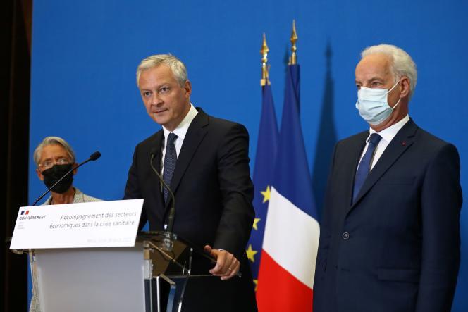Le ministre de l'économie et des finances, Bruno Le Maire, la ministre du travail, Elisabeth Borne, et le ministre délégué, chargé des petites et moyennes entreprises, Alain Griset, à Bercy, le 30 août 2021.
