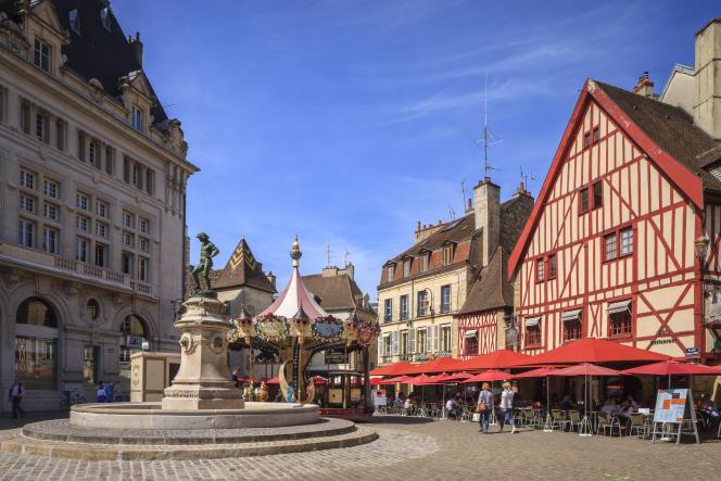 Dans l'hypercentre historique de Dijon, les grands appartements familiaux valent généralement entre 2500 et 2700euros le mètre carré.