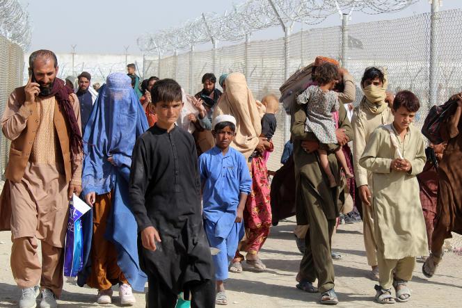 Fuyant la guerre et l'instabilité politique chronique, près de 2,6 millions d'Afghans étaient réfugiés dans le monde en 2020.