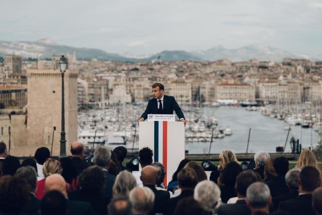 Au deuxième jour de sa visite à Marseille, Emmanuel Macron a détaillé un plan d'urgence pour la ville, le 2septembre 2021.