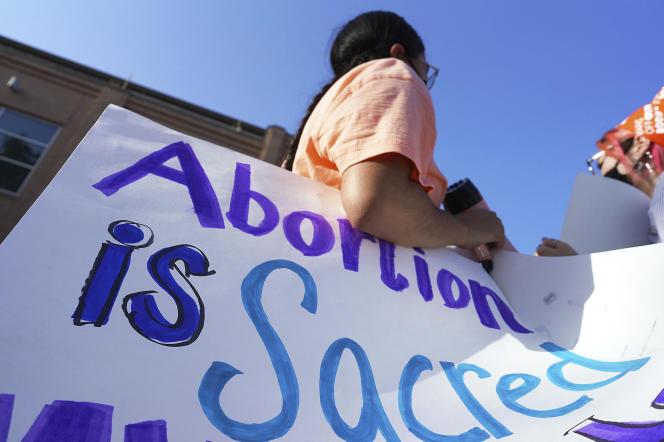 Un manifestant s'oppose à la loi restreignant le droit à l'avortement dans l'Etat du Texas, aux Etats-Unis, mercredi 1erseptembre 2021.