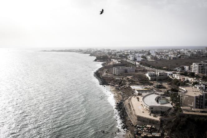 Pendant des années, les promoteurs ont ciblé le littoral de Dakar pour y construire des hôtels de luxe et des immeubles d'habitation, en s'appuyant sur des règles de construction anarchiques. Ici, en juin 2020.
