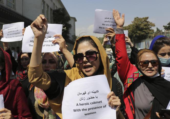 Perempuan Afghanistan berdemonstrasi di Kabul pada 3 September untuk melindungi hak-hak mereka.