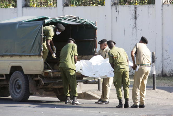 On August 25, 2021, Tanzanian security forces removed the body of a man shot dead by police outside the French embassy in Don S. Salam.