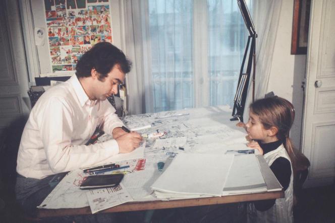 Georges Wolinski et sa fille Natacha, à Saint-Mandé (Val-de-Marne), en 1966.