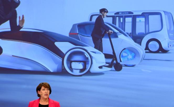Hildegard Müller, la présidente de VDA, lors d'une conférence de presse en amont du Salon international de la mobilité de Munich, le 30 août 2021.
