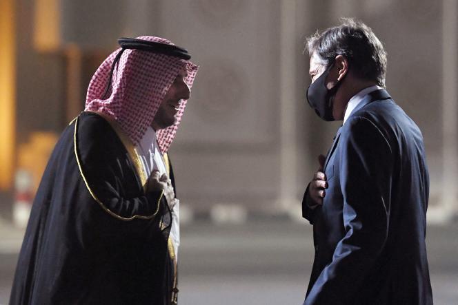 Menteri Luar Negeri AS Antony Blinken setibanya di Doha (Qatar), di mana ia akan bertemu dengan pejabat Qatar pada 6 September 2021.