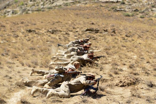 Des soldats du mouvement de résistance anti-taliban lors d'un exercice dans la région de Malimah, dans la province du Panchir, le 2 septembre 2021.