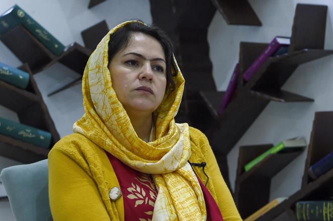 Fawzia Kofi, mantan anggota parlemen Afghanistan dan ketua Komite Perempuan, Masyarakat Sipil dan Hak Asasi Manusia, di rumahnya di Kabul, 18 Februari 2019.