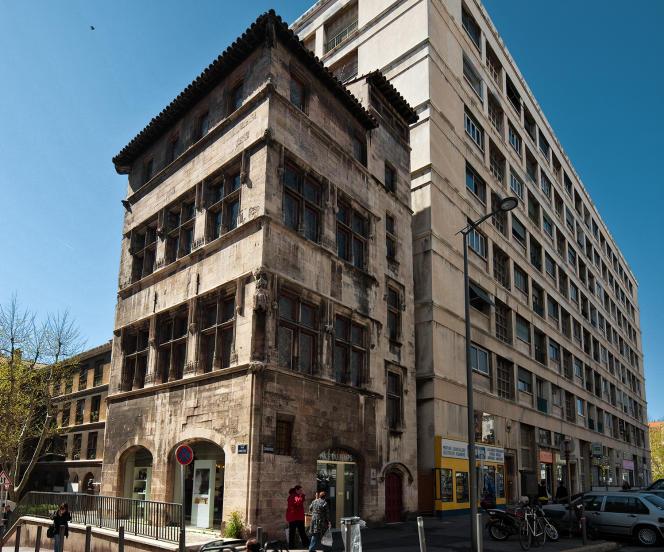 La maison de l'échevin de Cabre est le plus vieil immeuble de Marseille.
