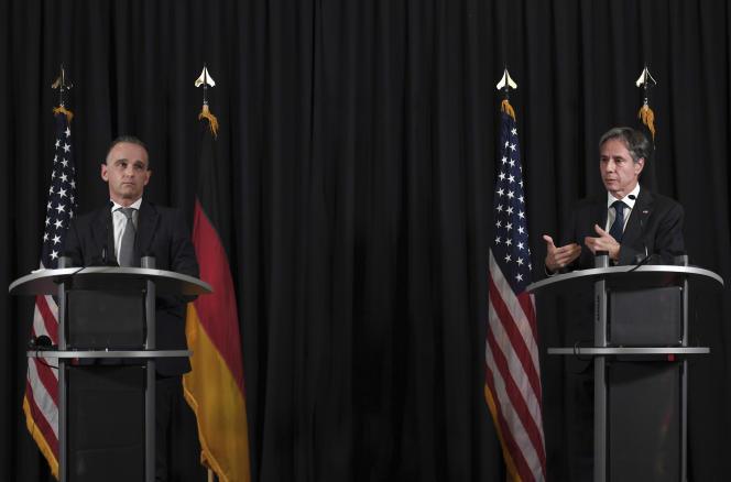 Le ministre allemand des affaires étrangères, Heiko Maas (à gauche), et le secrétaire d'Etat américain, Antony Blinken, lors d'une conférence de presse sur la base aérienne deRamstein, en Allemagne, le 8 septembre 2021.