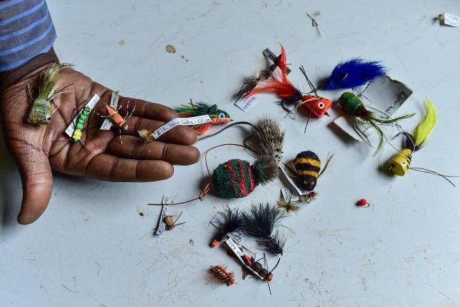Fabrication de mouches de pêche à Nairobi, le 5 août 2021.