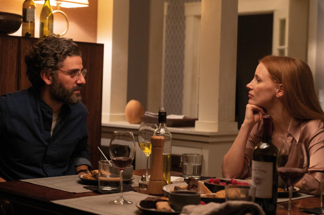 Jonathan (Oscar Isaac) et Mira (Jessica Chastain) dans la série«Scenes From a Marriage».