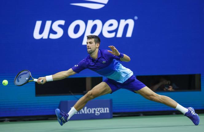 Il reste deux victoires à décrocher à Novak Djokovic pour réussir le Grand Chelem calendaire, après son succès sur l'ItalienMatteo Berrettini, en quarts de finale de l'US Open, à New York, le 8septembre2021.