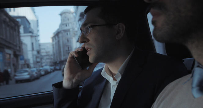 Vlad Voiculescu, devenu ministre de la santé après la démission forcée de son prédécesseur au moment de la crise du club Colectiv, filmé par Alexander Nanau dans «L'Affaire collective».