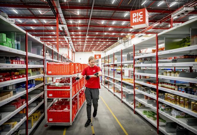 Dans un centre de distribution de PicNic, à Utrecht (Pays-Bas), le 7 décembre 2020.