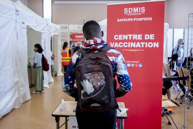 Journée de vaccination contre le Covid-19 au lycée Jacques-Brel de Vénissieux (Rhône),le 9 septembre 2021.