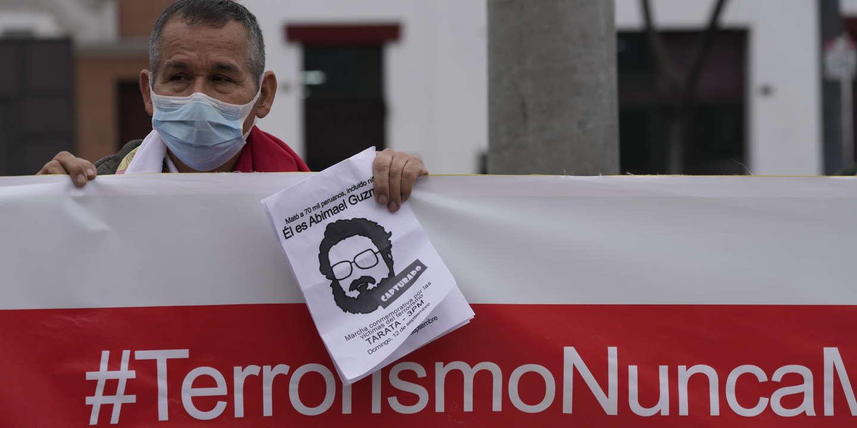 Au Pérou, le sort du corps d'Abimael Guzman, fondateur du Sentier lumineux, pose question