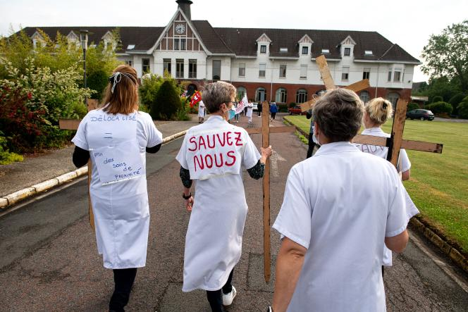 Manifestation à l'EPSM de Bailleul (Nord), le 18 juin 2021.