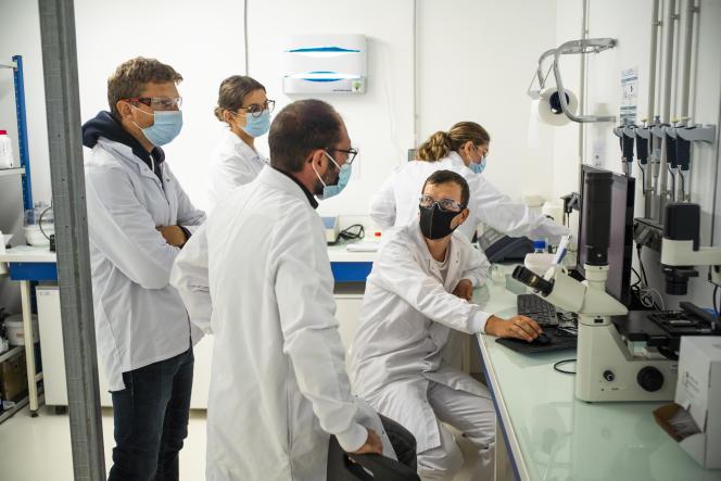 Dans le laboratoire de recherche de Microphyt,à Baillargues (Hérault), le 10 septembre 2021.