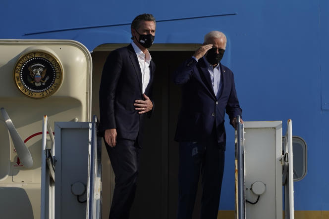 US President Joe Biden (right) and California Governor Gavin Newsom at Mather Airport on September 13, 2021.