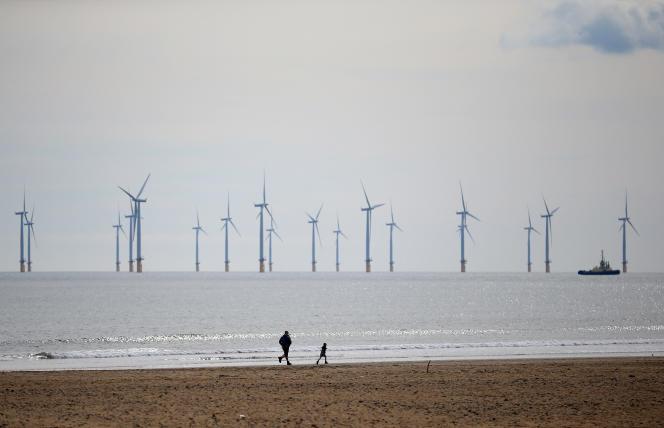 Des éoliennes gérées par EDF, près d'Hartlepool, dans le nord-est de l'Angleterre, le 3 mai 2021.